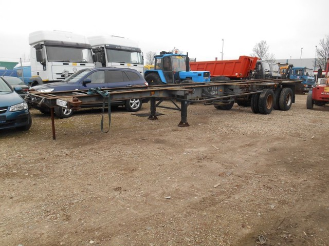 Van Hool 2 Axle Container trailer 1 ''40 and 2''20